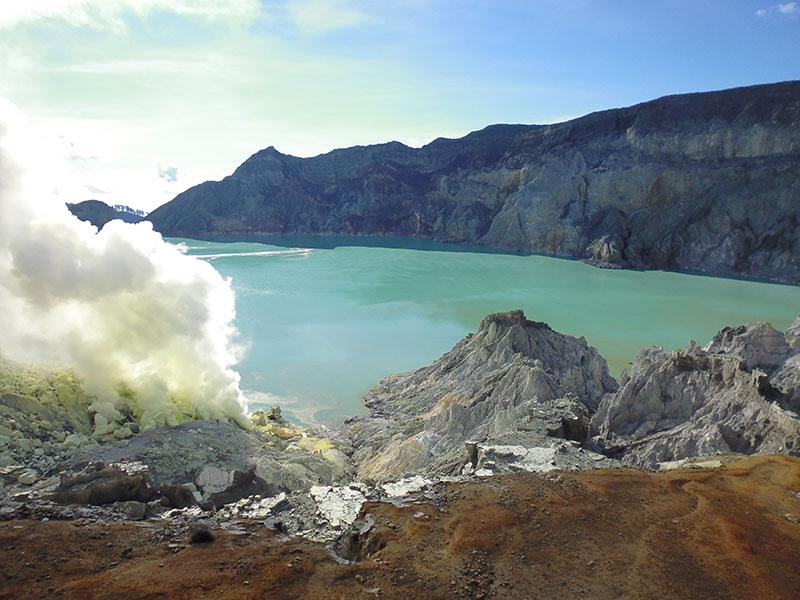 3 Days Days tour: – Surabaya – ijen – bromo – mada kalipura water fall – drop of surabaya
