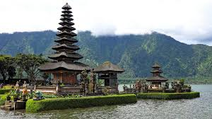 Pemuteran – menjanagan –pulaki temple – Air panas (hot spring water) – munduk water fall -tamblingan lake – Kebun raya garden – jati luwih (rice farm) –Bali baring in batu bulan – bali house – see wooden – gajah cave – ubud traditional market – Kawi mount – Rafting/ VTT Adventure -back to hotel – tapak siring – go to kintamani (batur mount & Batur lake) – lunch in grand puncak sari – tenganan village – besakih temple – prepare back to airport or other places