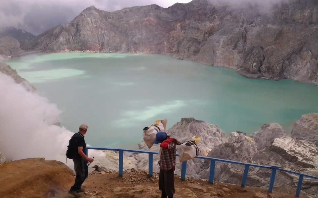1 Day tour:   ijen tour from Banyuwangi city: – Ijen tour – back to city / rail way station / harbour to Bali