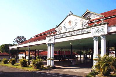 2 Days tour: Borobudur – kraton – lava kali / merapi – kali biru – prambanan – taman sari